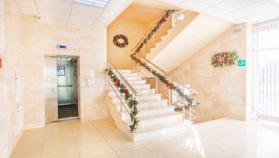 DS207350 холл 2 эт лифт открыт