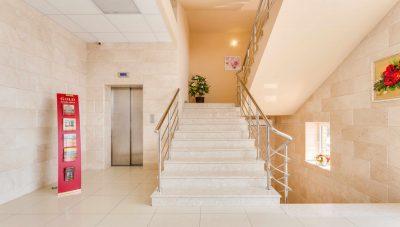 _MG_2098hdr лифт, лестн 2 эт