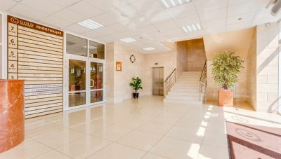 _MG_2146hdr инф стенд, лифт, лестн